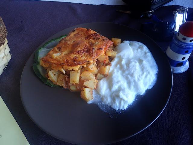 Musaka z mięsem i ziemniakami - bułgarski przysmak
