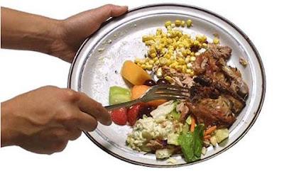 alimentos no lixo