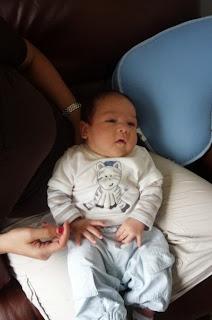 Bebé de 2 meses. El segundo mes del bebé