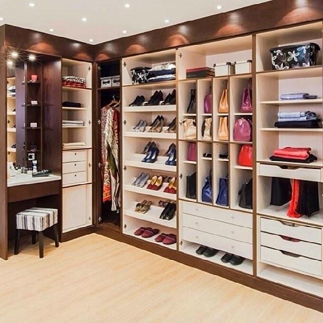 25 Fantastic Future Dressing Room Ideas