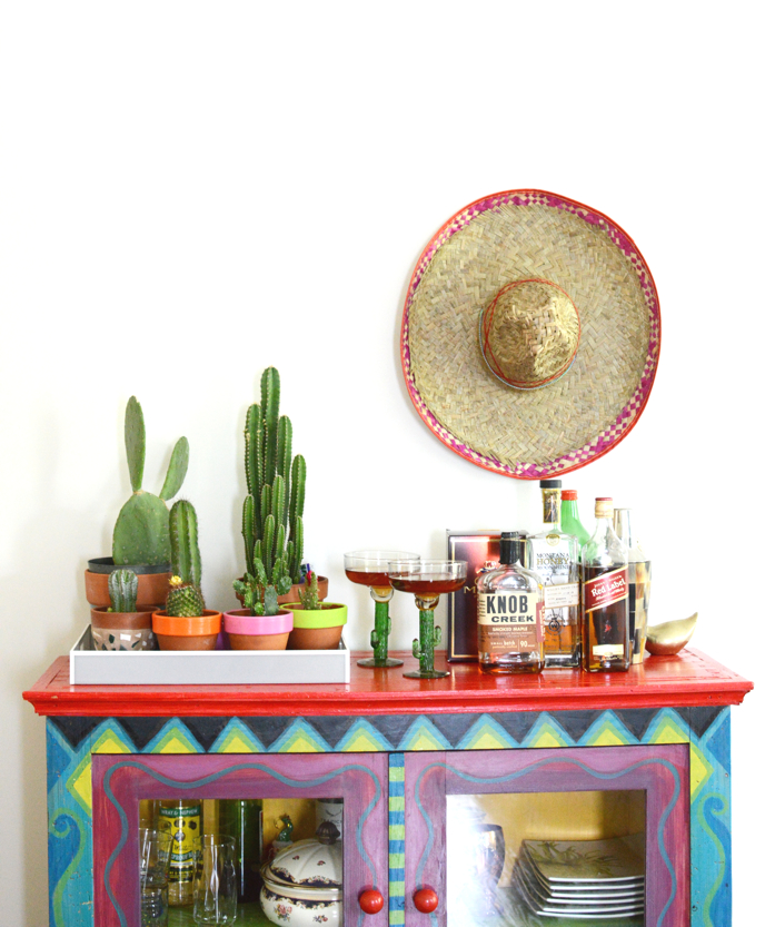 bar set up for Cinco de Mayo- design addict mom