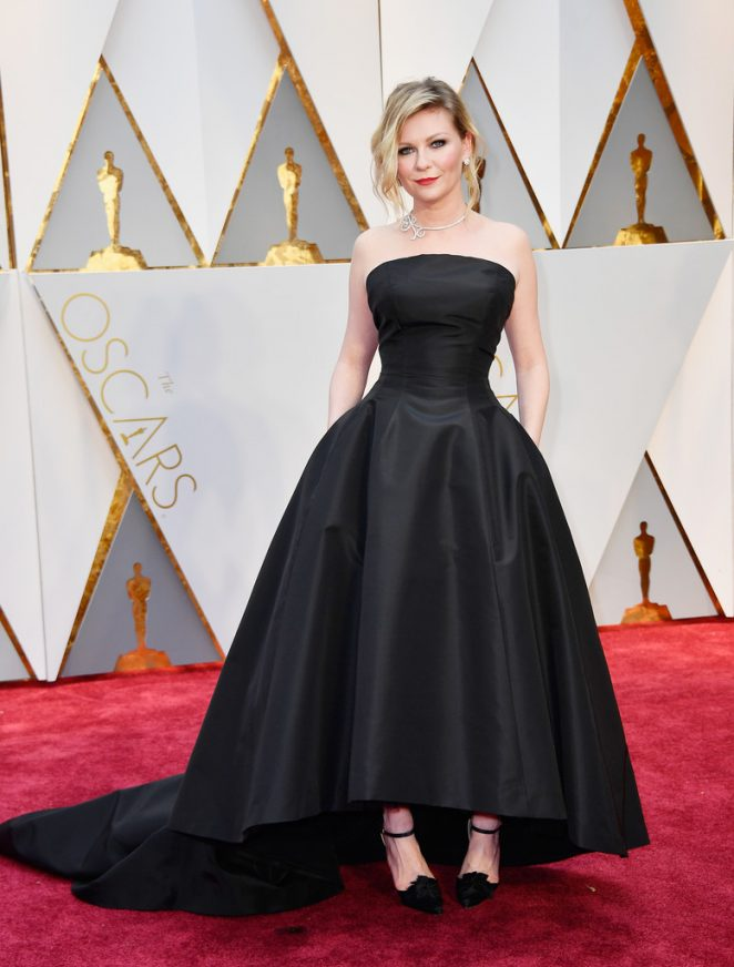 Kirsten Dunst brings vintage glamour to the 2017 Oscars