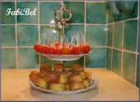 Apéro : les tomates cerises en pommes d'amour et les bouchées Emmental Curry.