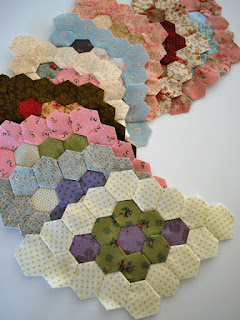 hexagon diamonds for Minnie quilt: QuiltBee