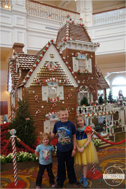 disney-world-life-size-gingerbread-house-christmas-resort-decorations