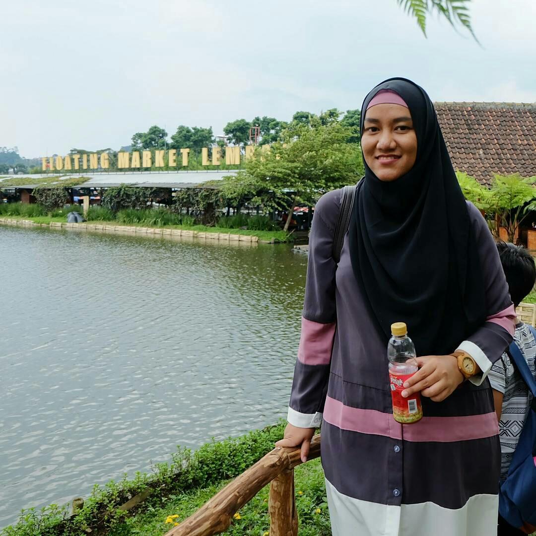 Wisata Lembang Floating Market Bandung Nieke Tiket Masuk Angkotnya Ternyata Berhenti Gak Bener Persis Di Depan Pintu Kami Sempat Berjalan Kaki Sekitar 400 Meter Hingga Tiba