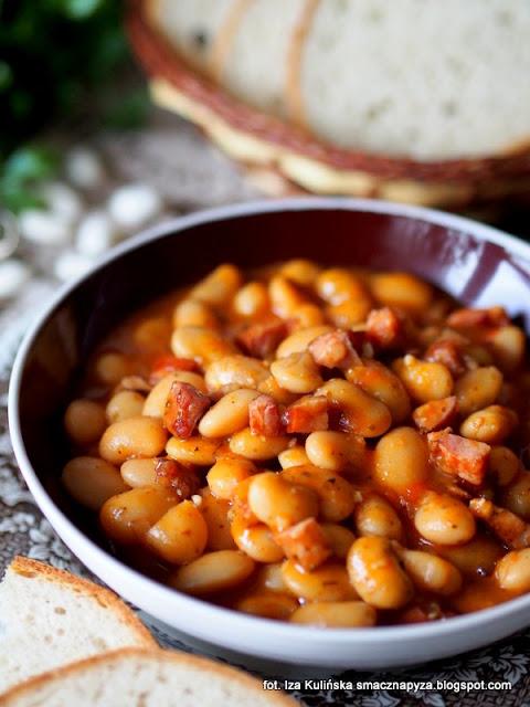 najlepsza fasolka po bretonsku, najsmaczniejsza fasolka, fasola w sosie pomidorowym, fasolka w pomidorach, fasola duszona, obiad, danie jednogarnkowe, jak zrobić najlepsza fasolke po bretonsku, smaczna pyza