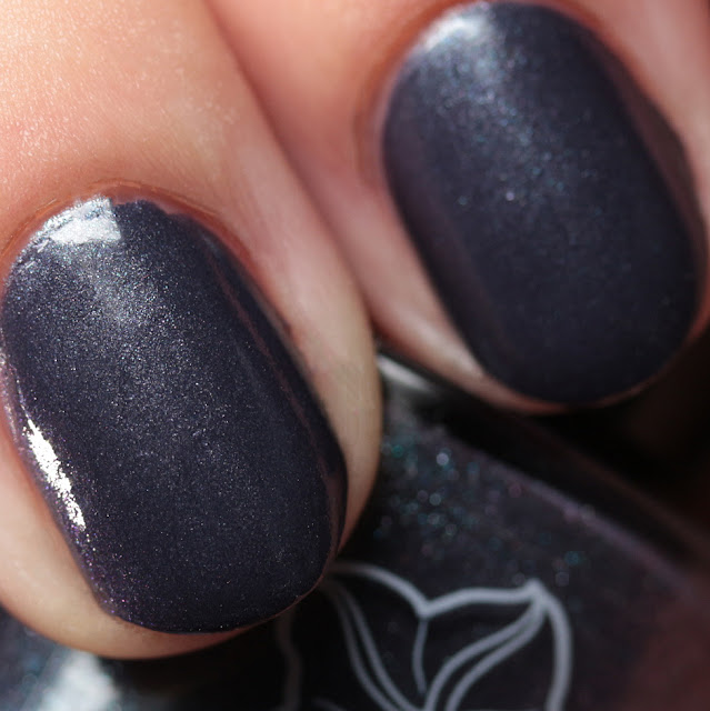 Moonflower Polish Huracán