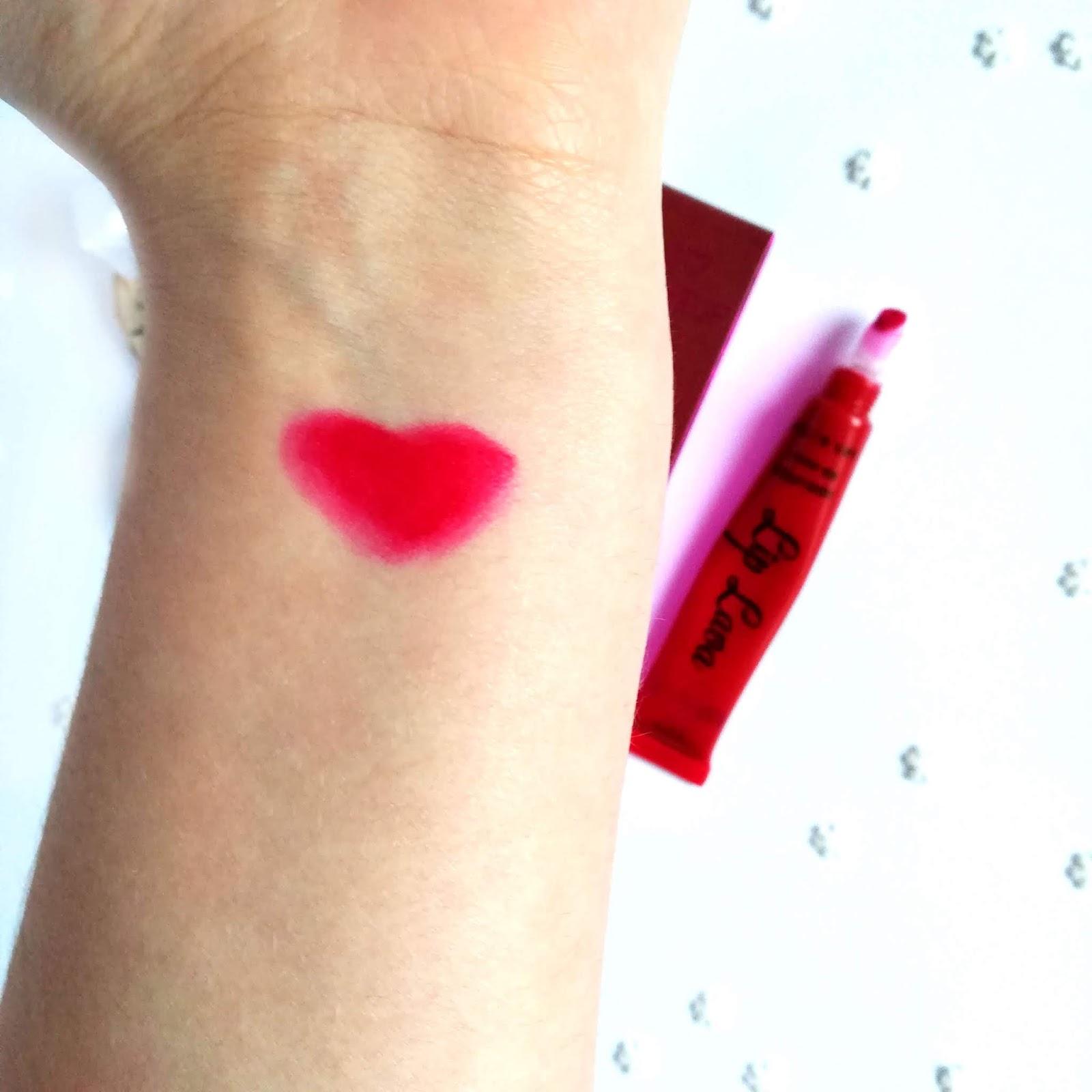 I Heart Makeup Lip Lava Makeup Revolution - idealna czerwień na wieczorne wyjście?