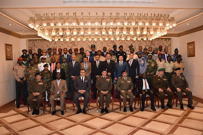 تخريج (8) دورات تدريبية لكوادر الدارسين الأفارقة من (33) دولة فى التخصصات المختلفة بالقوات المسلحة