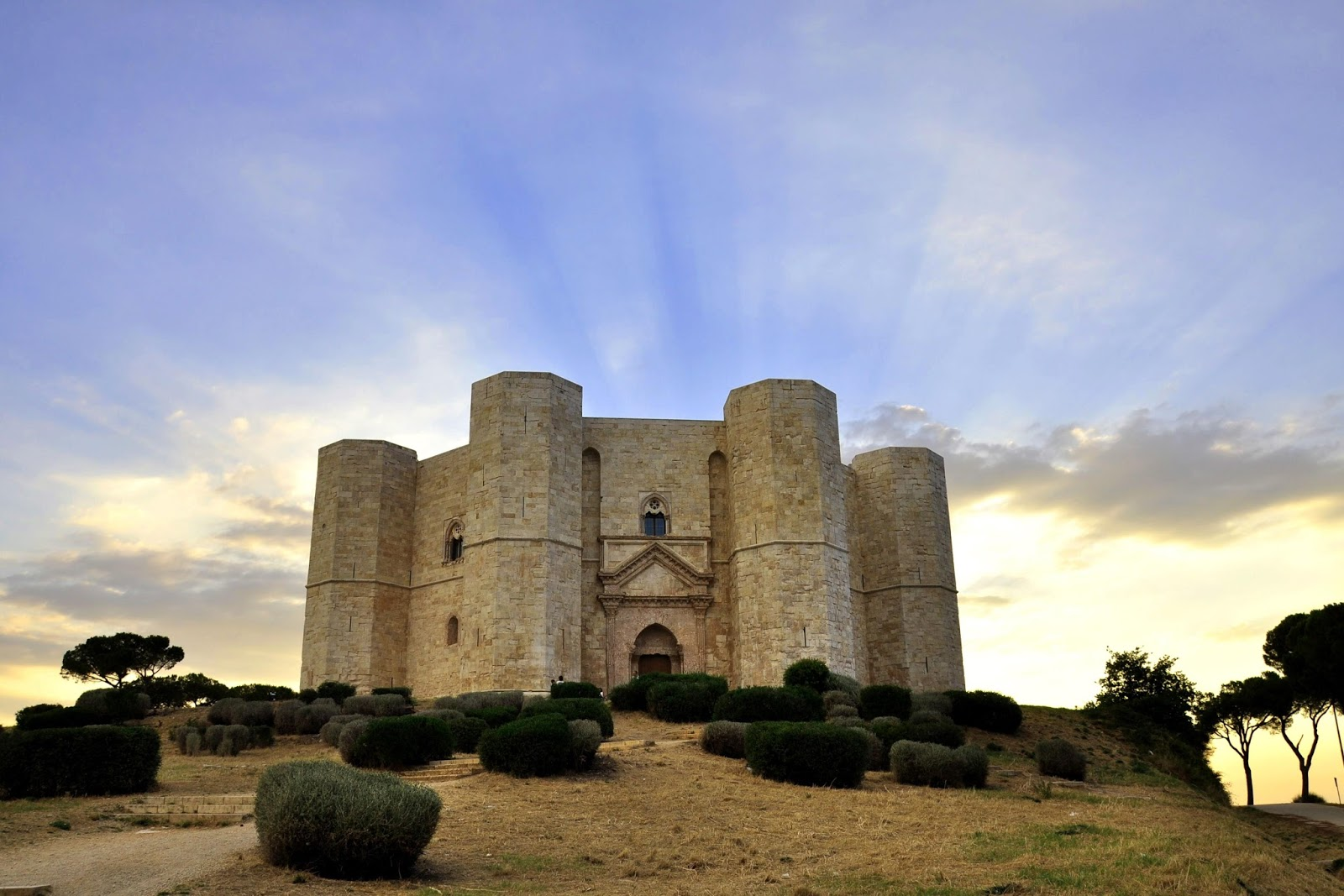 Fall Ceiling Wallpaper Hd Hidden Architecture Castel Del Monte