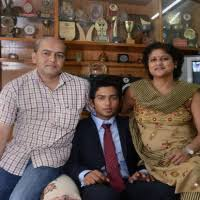 Unmukt Chand Family Wife Son Daughter Father Mother Age Height Biography Profile Wedding Photos