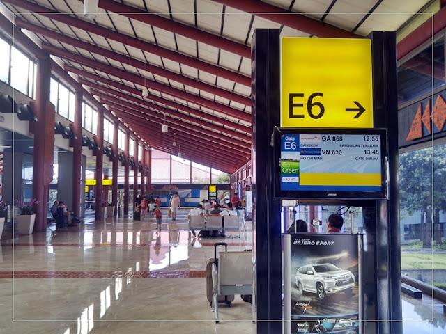 Vietnam Airlines menuju Ho Chi Minh city