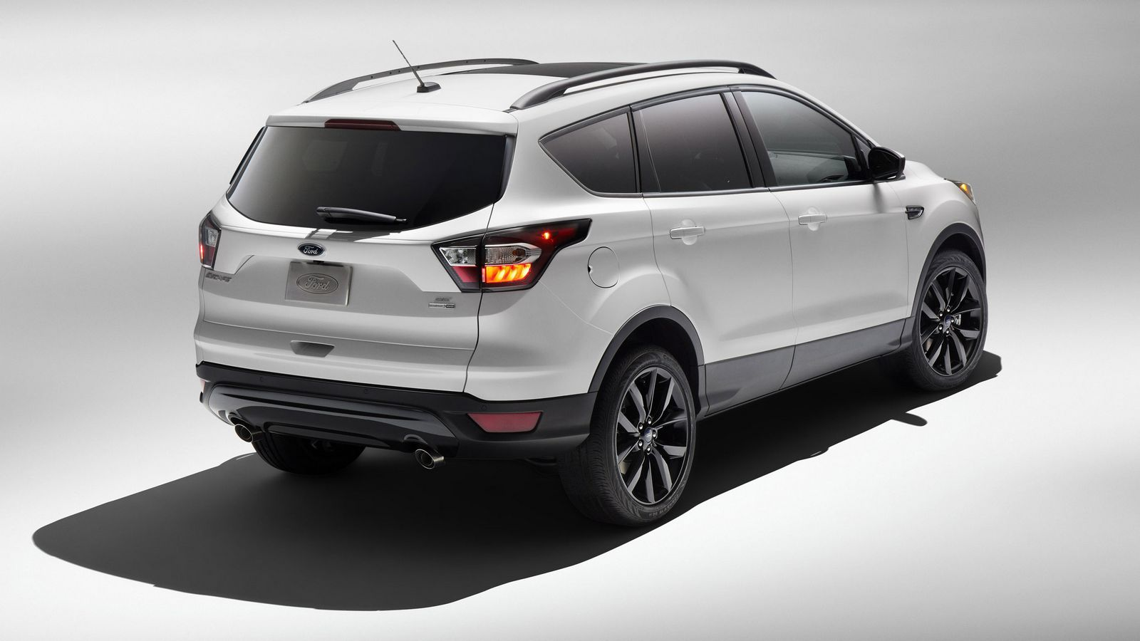 2017 Ford Escape Receives Sport Appearance Pack | Carscoops