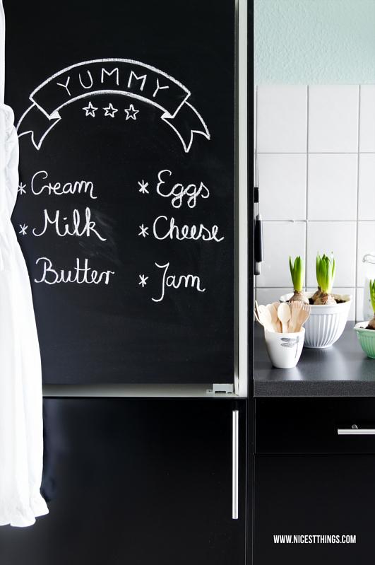 Kühlschrank mit Tafelfarbe anmalen DIY Chalkboard Fridge