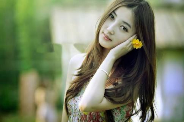 AWESOME CUTE BEAUTIFUL GIRLS WITH FLOWER WALLPAPERS HD IMAGES