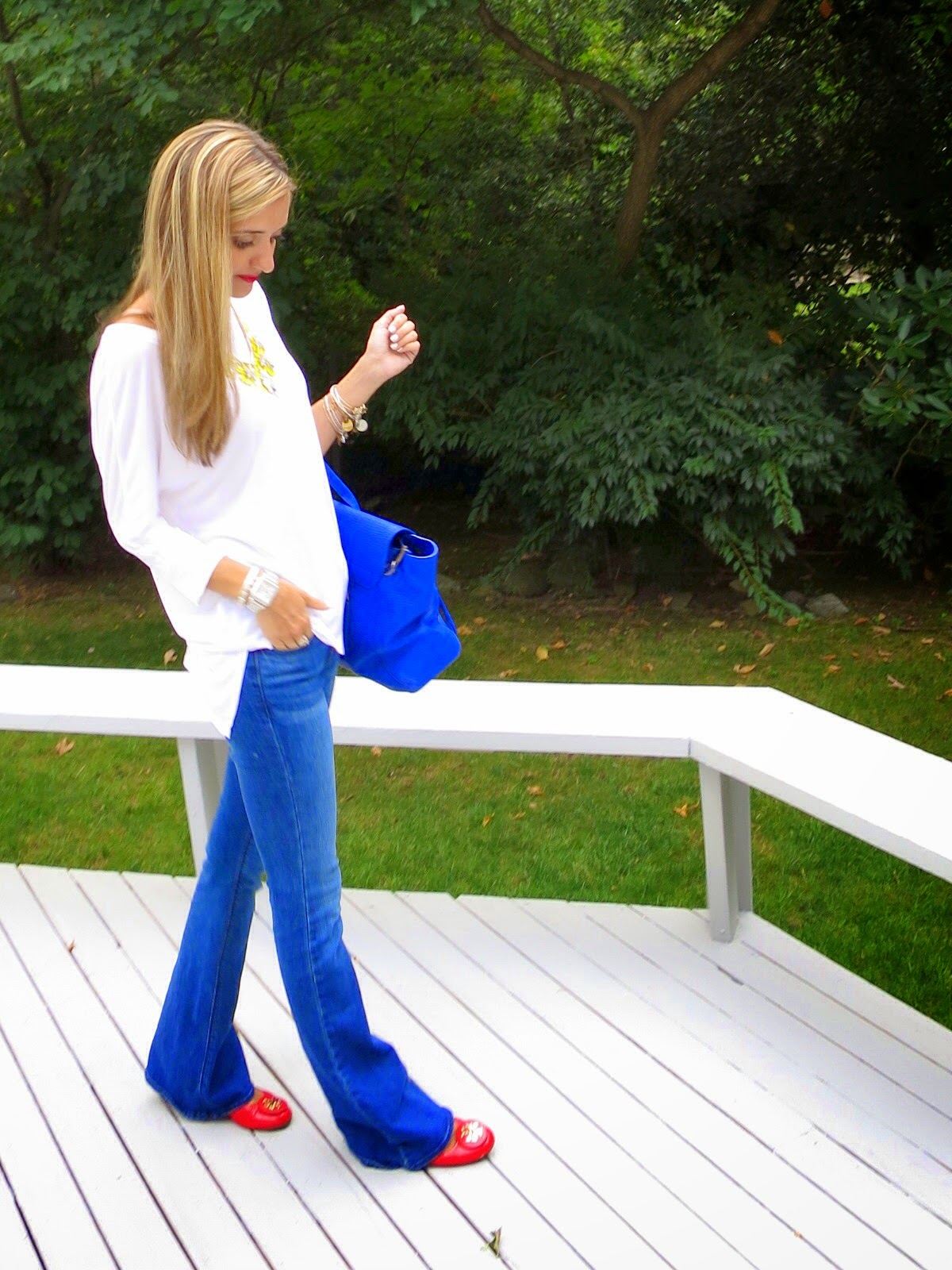 jeans and tee casual outfit