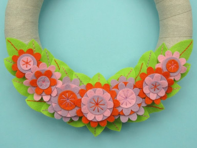 http://www.thevillagehaberdashery.co.uk/blog/2017/a-year-of-wreaths-april-felt-flower-wreath-by-laura-howard