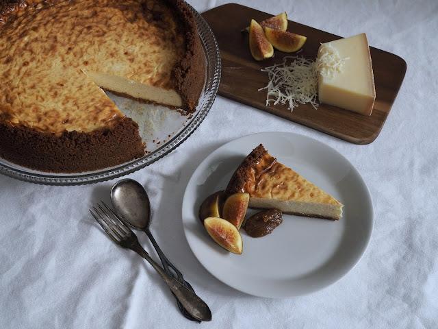 suolainen juustokakku paistettu