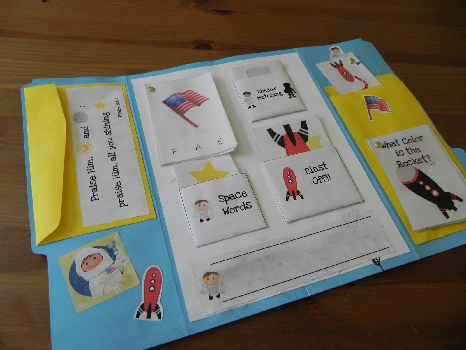 Knitting A Family Our Astronaut Lapbook