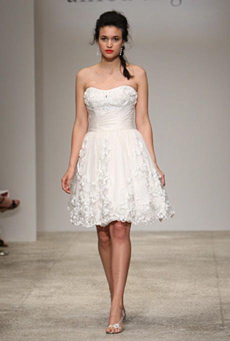 vestidos de novia cortos a la moda