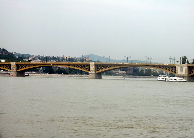 puente sobre el Danubio