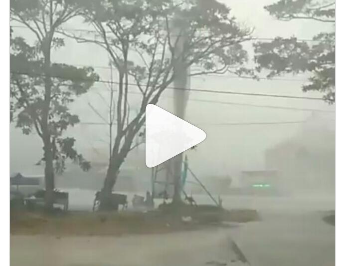Detik detik Mengerikan Pekanbaru dihantam Hujan Badai