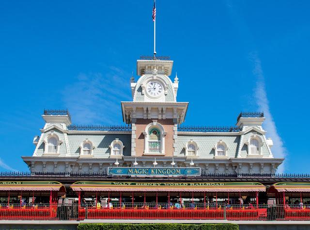Disney World Planning Guide - Magic Kingdom Entrance