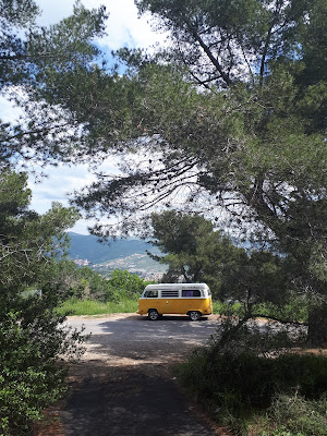 Vanlife T2 Westfalia Road trip calendar Italy