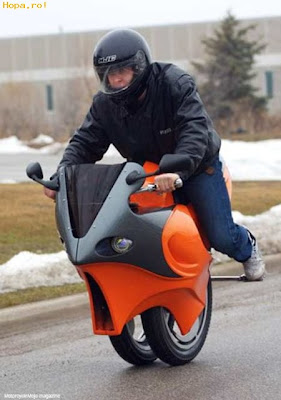 Motocicleta creativa única