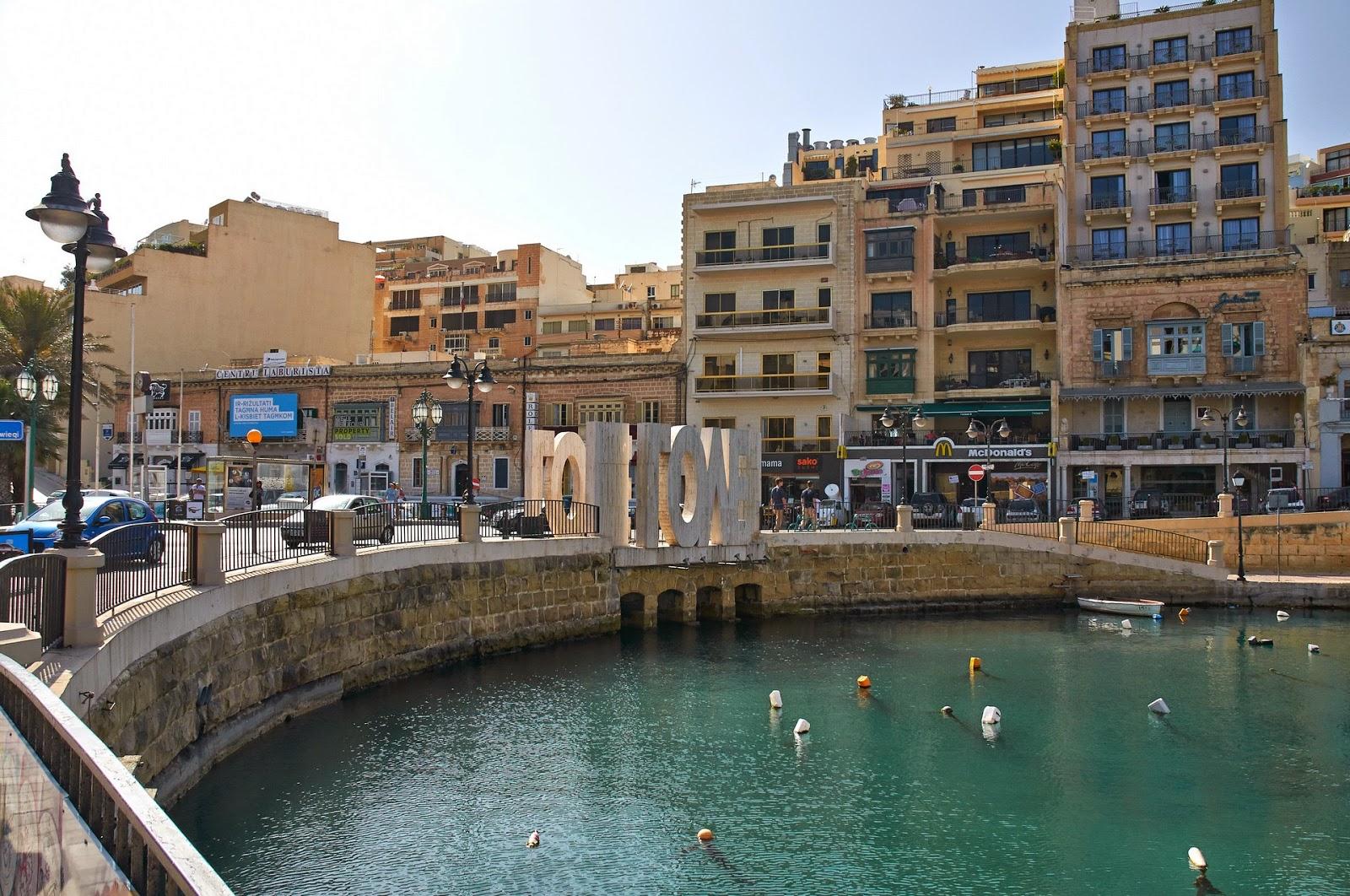 napis Love Malta