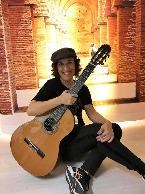 A Minha Vida em... Música frankie chavez miúda com guitarra armazém de ideias ilimitada
