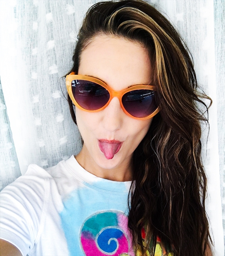 Jelena Zivanovic Instagram @lelazivanovic.Cool selfies.Orange sunglasses.
