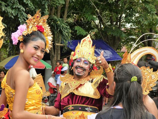 Bali firar nyår - Ogoh-ogoh paraden