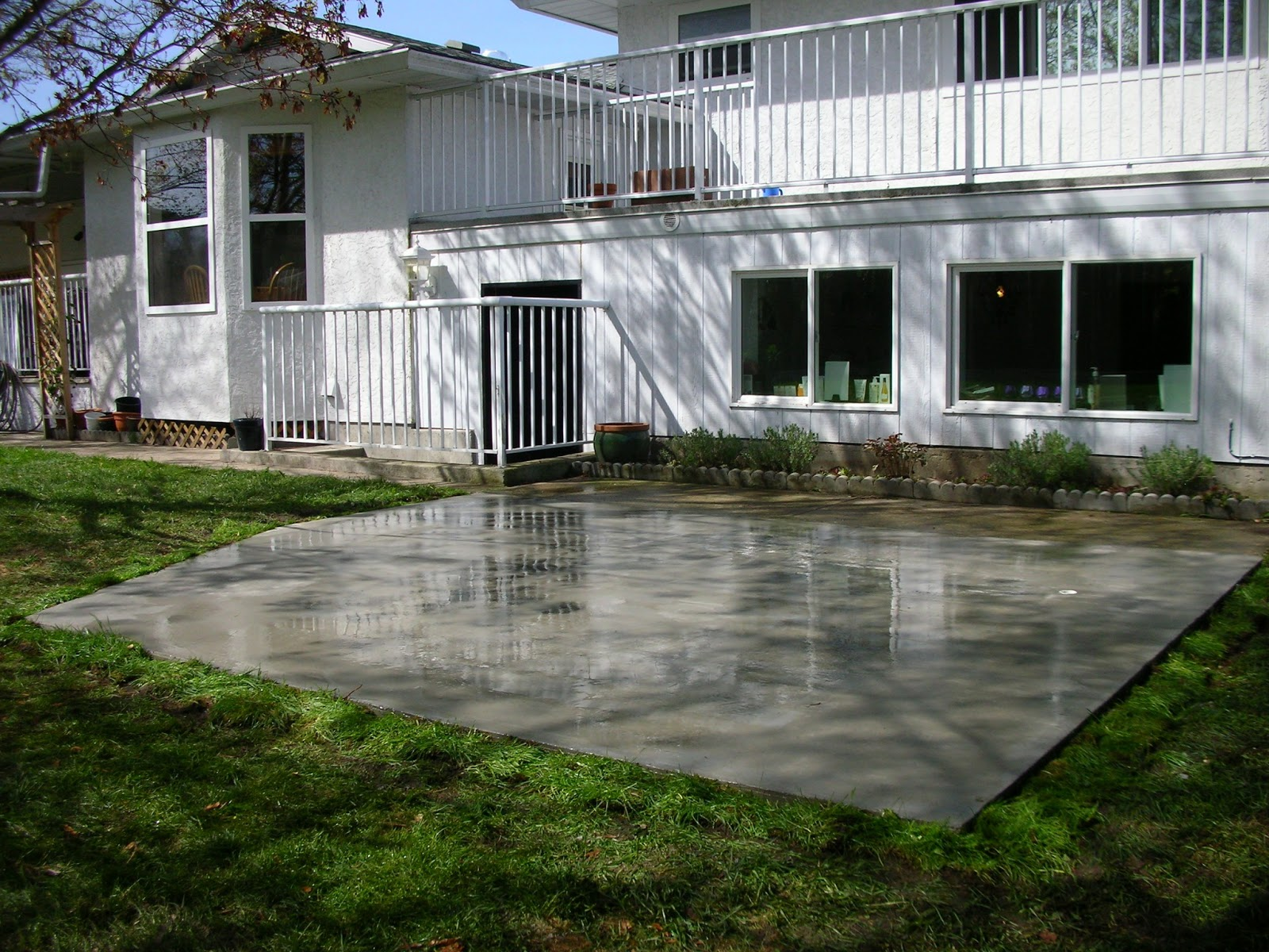 MODE CONCRETE: Concrete Patios, Concrete Slabs, Driveways ... on Concrete Slab Backyard Ideas id=57947