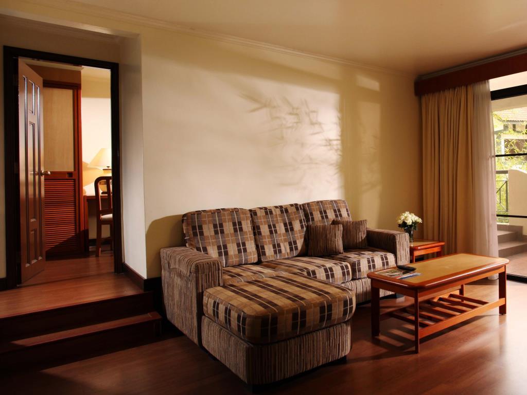 Trihotel Find Cheap Hotels Near Me-9570
