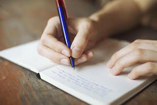 menjadi penulis [esai edukasi-9 peluang usaha untuk anak sma]