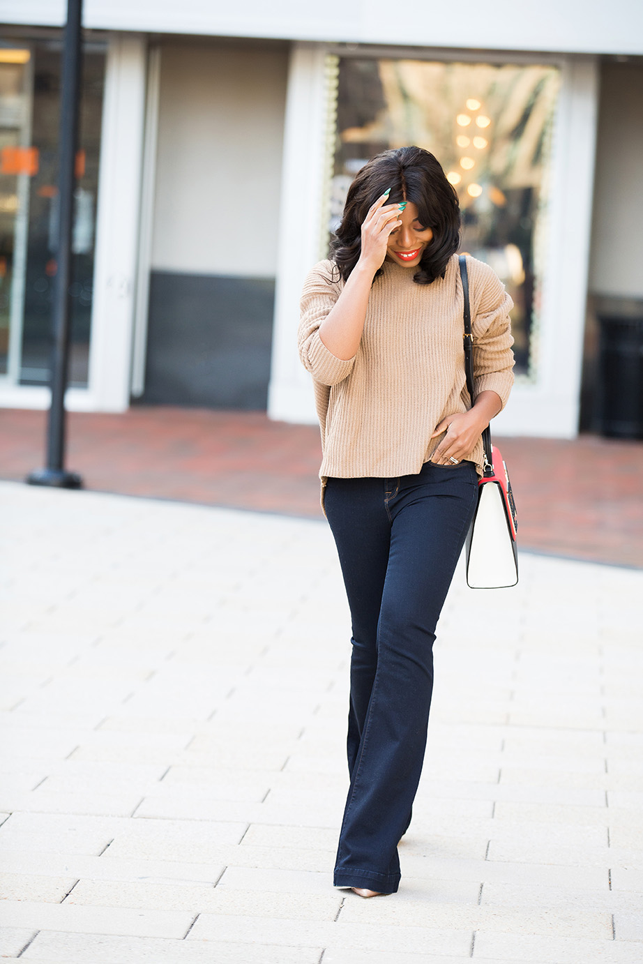 Flare jeans and knotted sweater, www.jadore-fashion.com