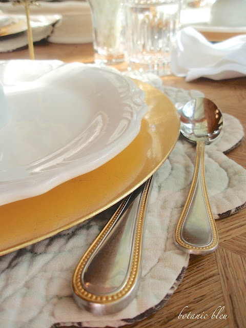 Thanksgiving gold and white table setting with inexpensive gold plate chargers