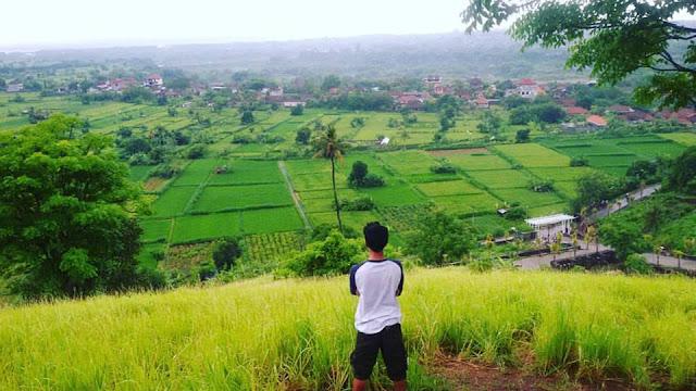 Tempat Wisata Hits di Bali yaitu Bukit Belong
