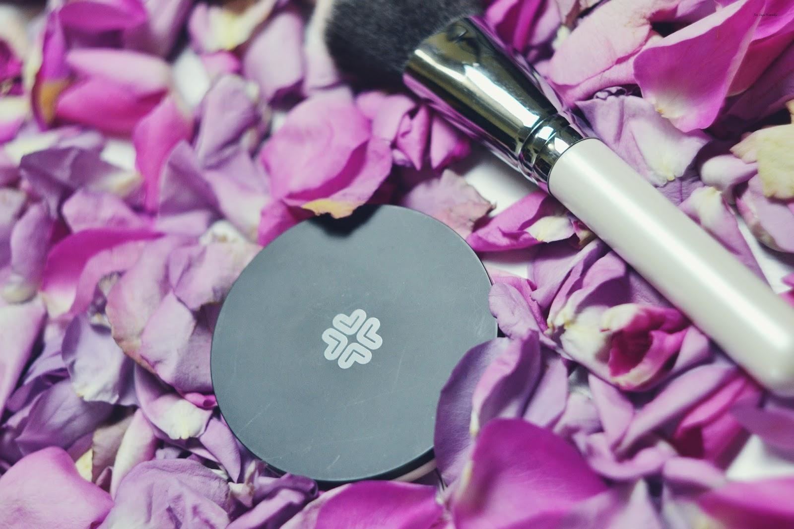 Dobre naturalne kosmetyki do makijażu