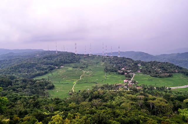 Pemandangan dari puncak gunung api purba Nglanggeran ©Jelajahsuwanto