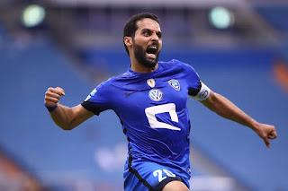 نادي الهلال يمدد التعاقد مع مهاجم الفريق ياسر القحطاني لمدة موسمين