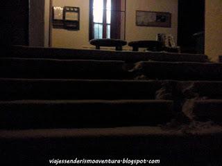Escaleras del Refugio Comes de Rubió después de que nos sorprendiese la nevada