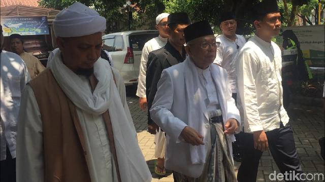 Ma'ruf Amin tak Berani Ajak Arifin Ilham Gabung ke Timses Jokowi