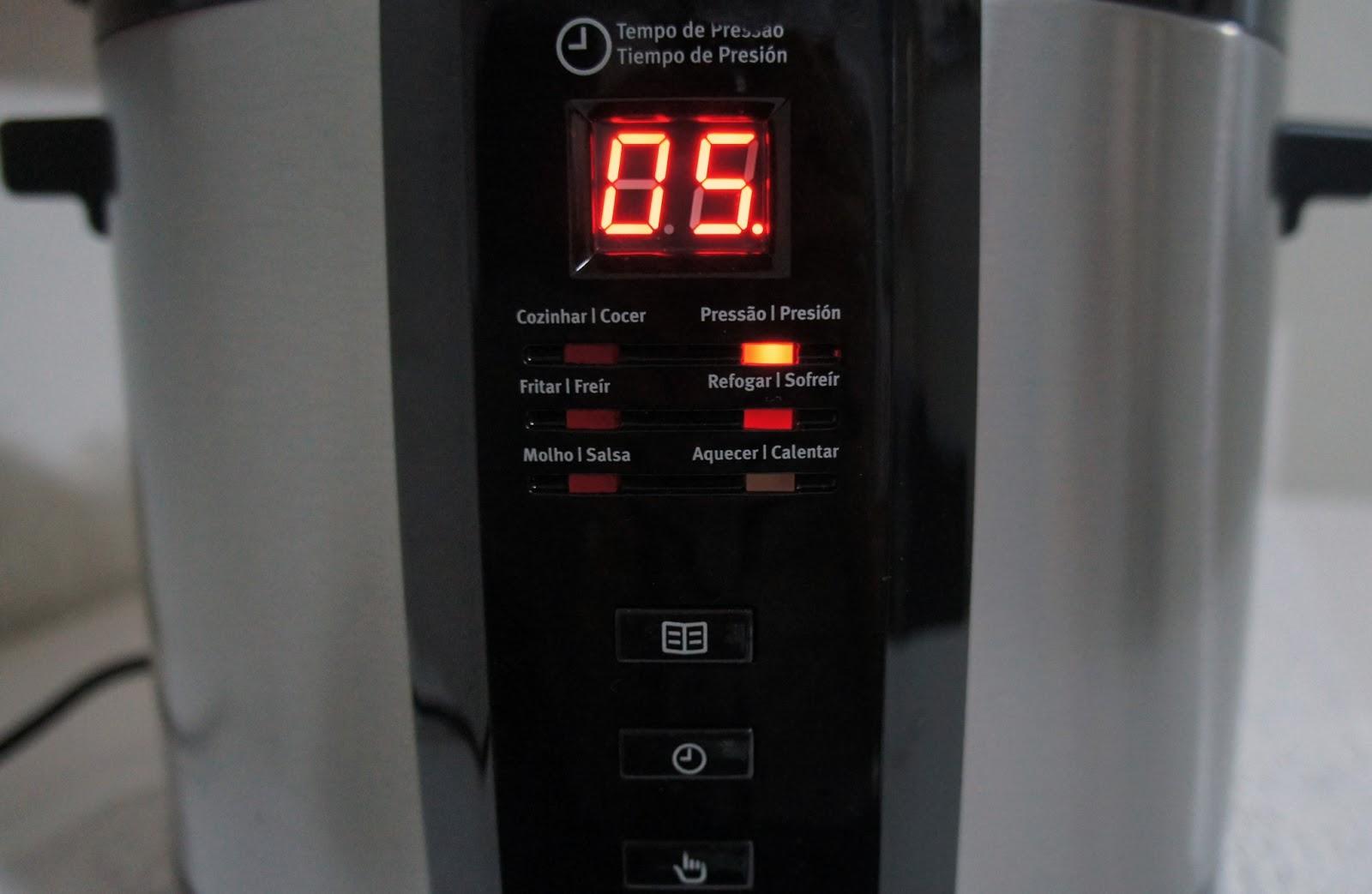 67bd6fc33 Panela de pressão elétrica. A Chef ...