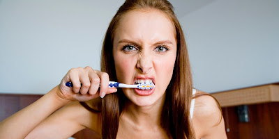 10 Toothbrushing Mistakes You Make Every Day