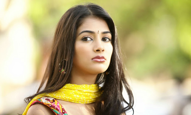 Beautiful Pooja Hegde Wallpapers