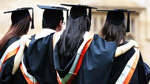 Factors to Consider while Choosing a College in the USA   Online ... Factors to Consider while Choosing a College in the USA