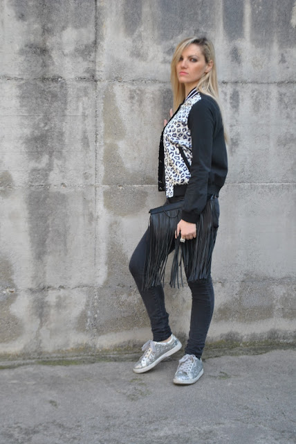 outfit sneakers come abbinare le sneakers abbinamenti sneakers outfit sneakers con brillantini argento sneakers argento sneakers fornarina argento how to wear sneakers how to combine sneakers how to match sneakers utfit febbraio 2016 outfit casual invernali outfit invernali ragazze bionde blonde hair blondie blonde girl mariafelicia magno fashion blogger colorblock by felym fashion blog italiani fashion blogger italiane blog di moda blogger italiane di moda fashion blogger bergamo fashion blogger milano fashion bloggers italy italian fashion bloggers influencer italiane italian influencer
